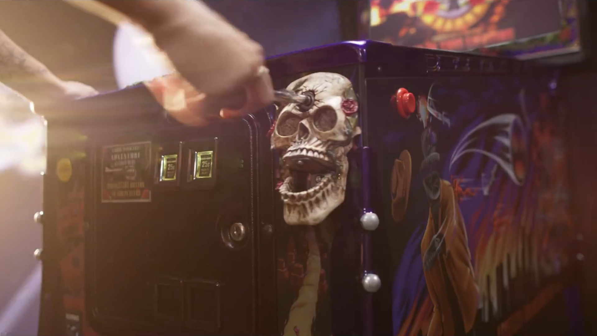 Video: Guns 'N Roses pinball is a technical marvel