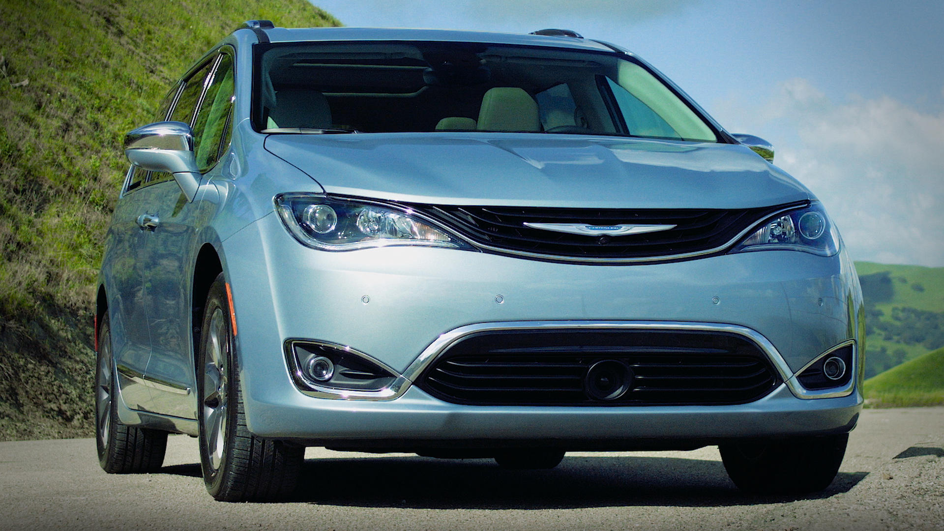 Video: Chrysler Pacifica: 5 things you need to know
