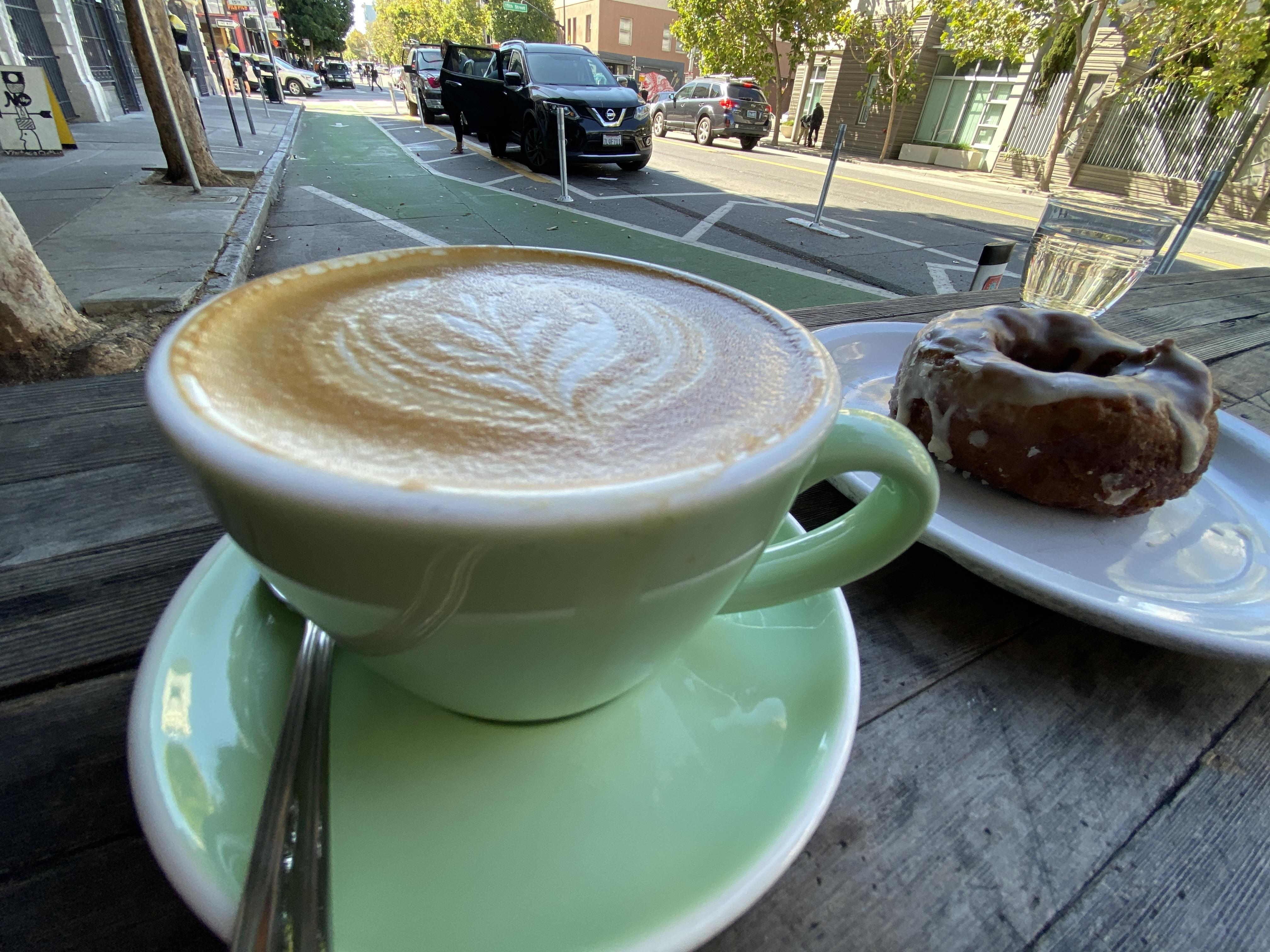 coffee-and-doughnut-2-ultra-wide-iphone-11-pro
