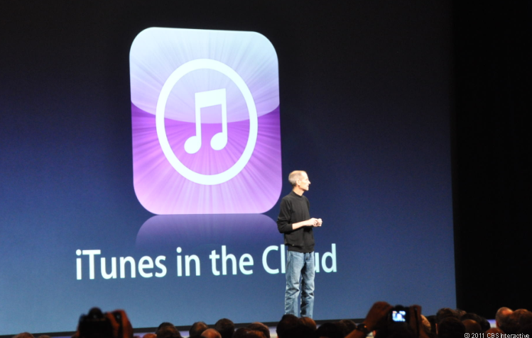 Photo of Steve Jobs talking iTunes and iCloud at WWDC.