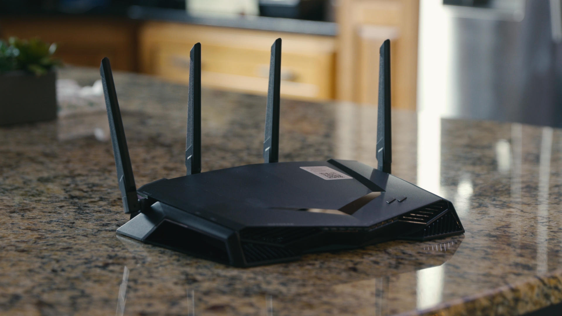 Video: Netgear's XR500 router gives gamers complete control