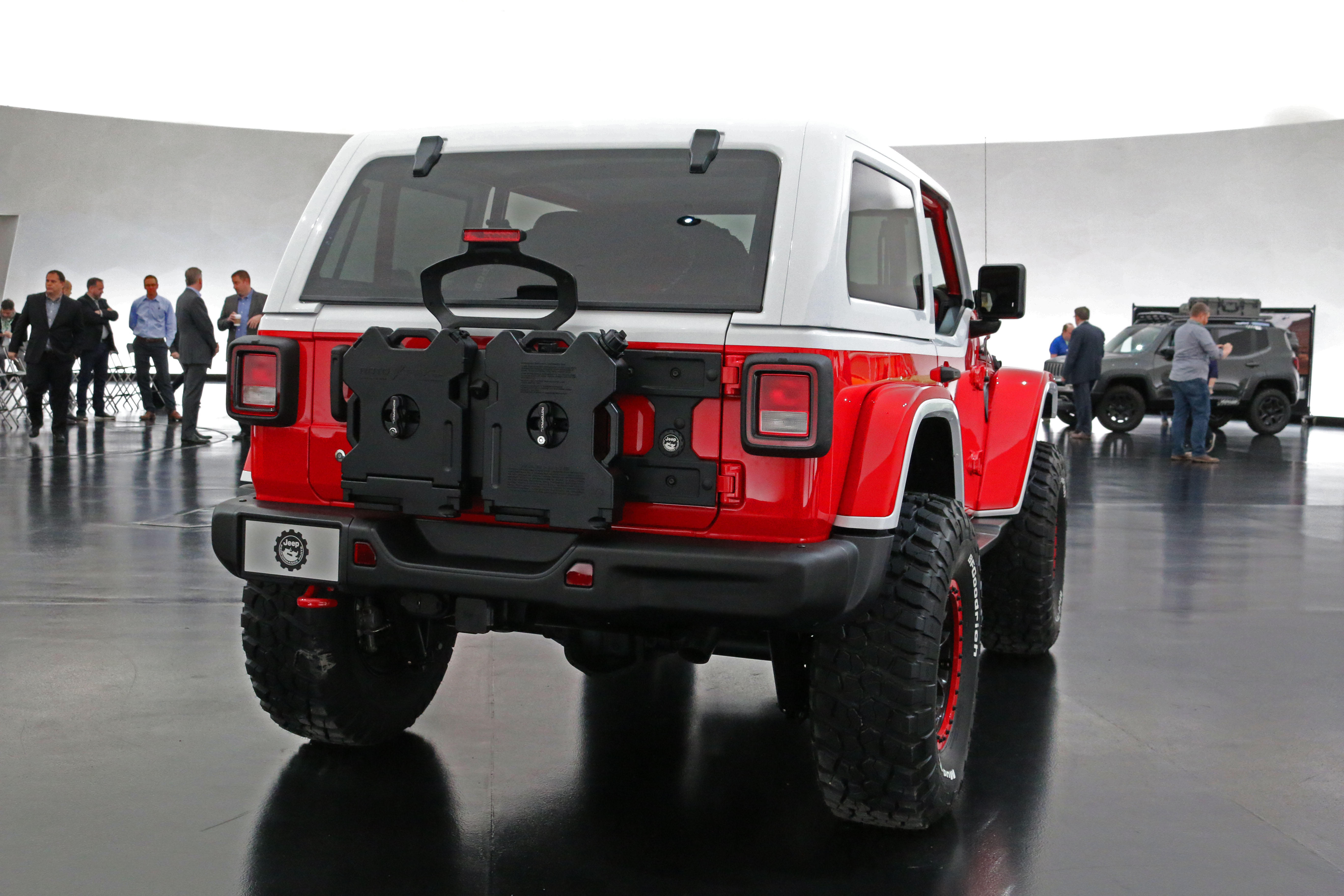 jeep-jeepster-concept-26
