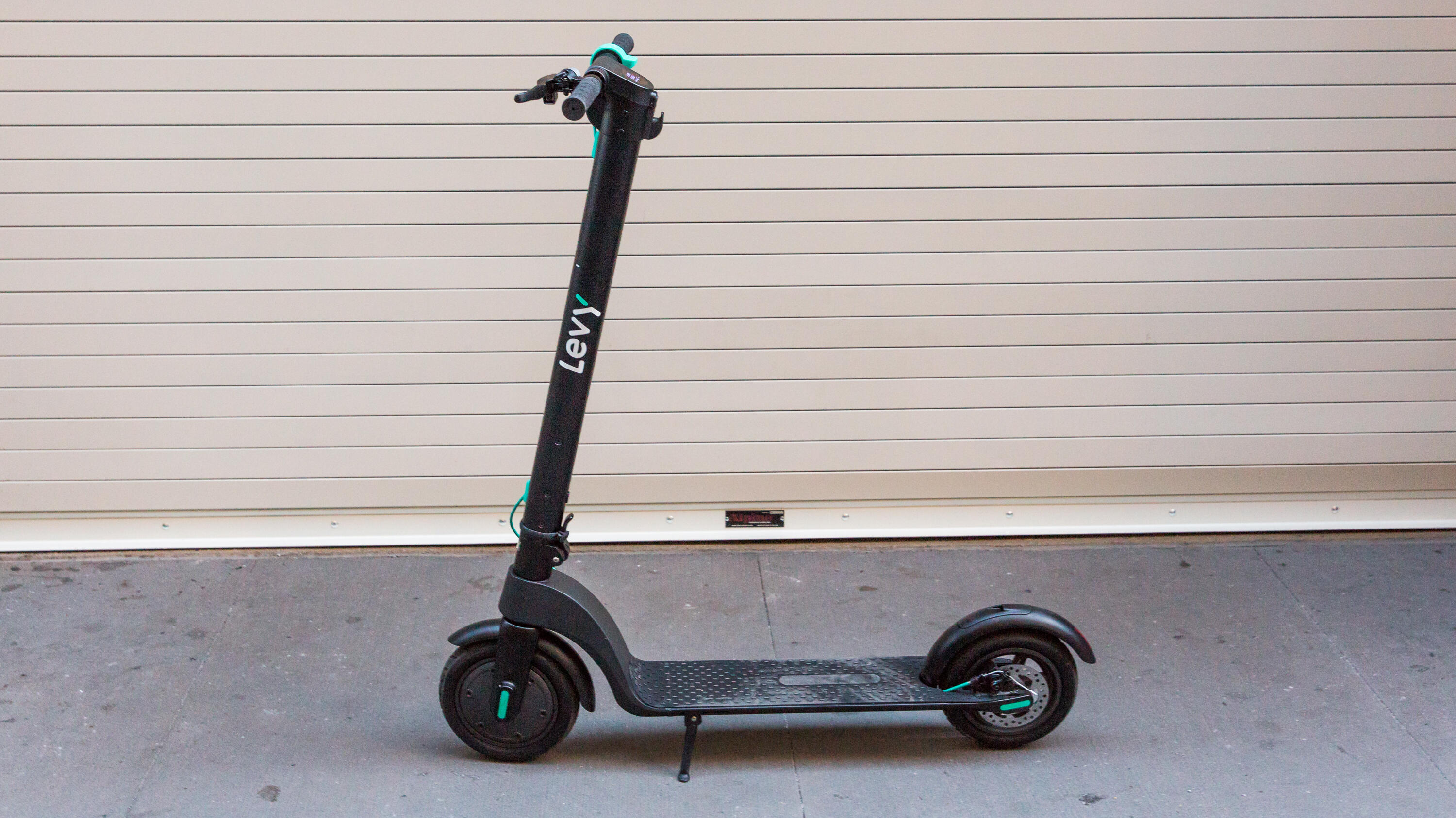 06 levy scooter | Best electric scooter for summer 2021 - Roadshow | The Paradise