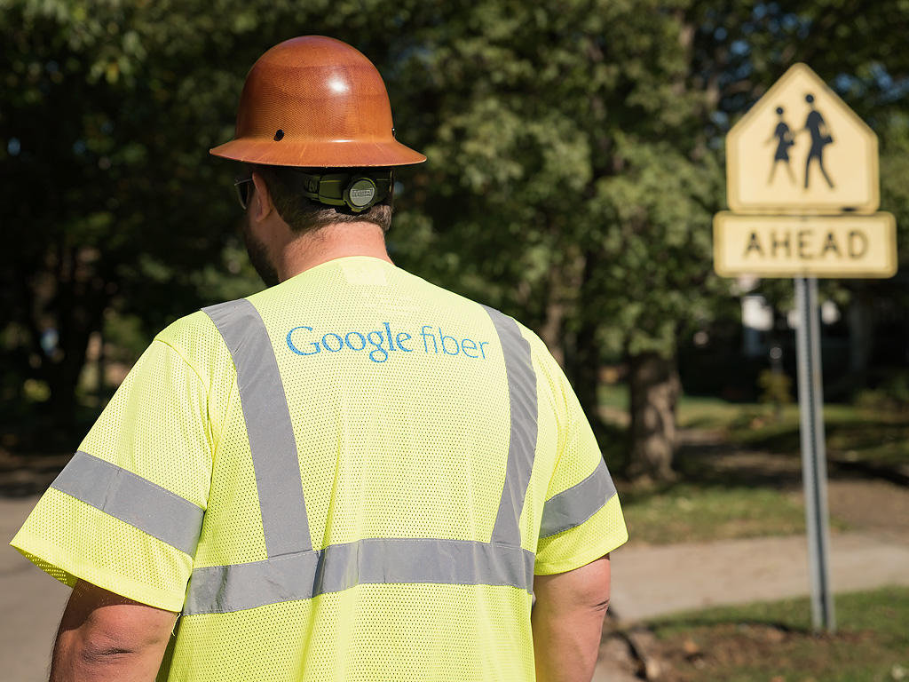 <p>Google Fiber will pay Louisville nearly $4 million as it exists the city.&nbsp;</p>