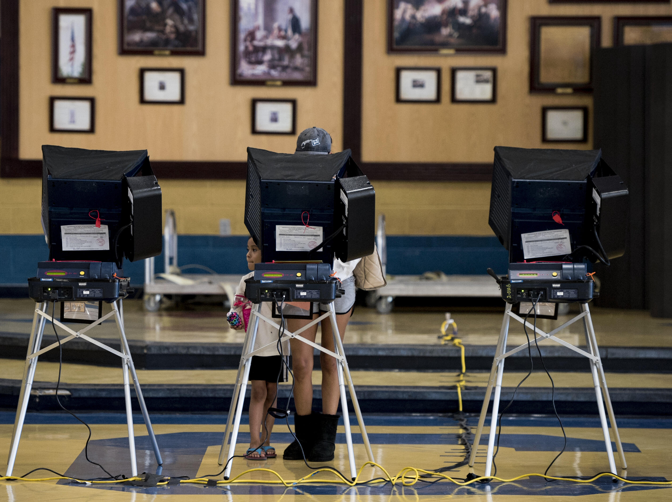 voting-kiosk-gettyimages-621785864