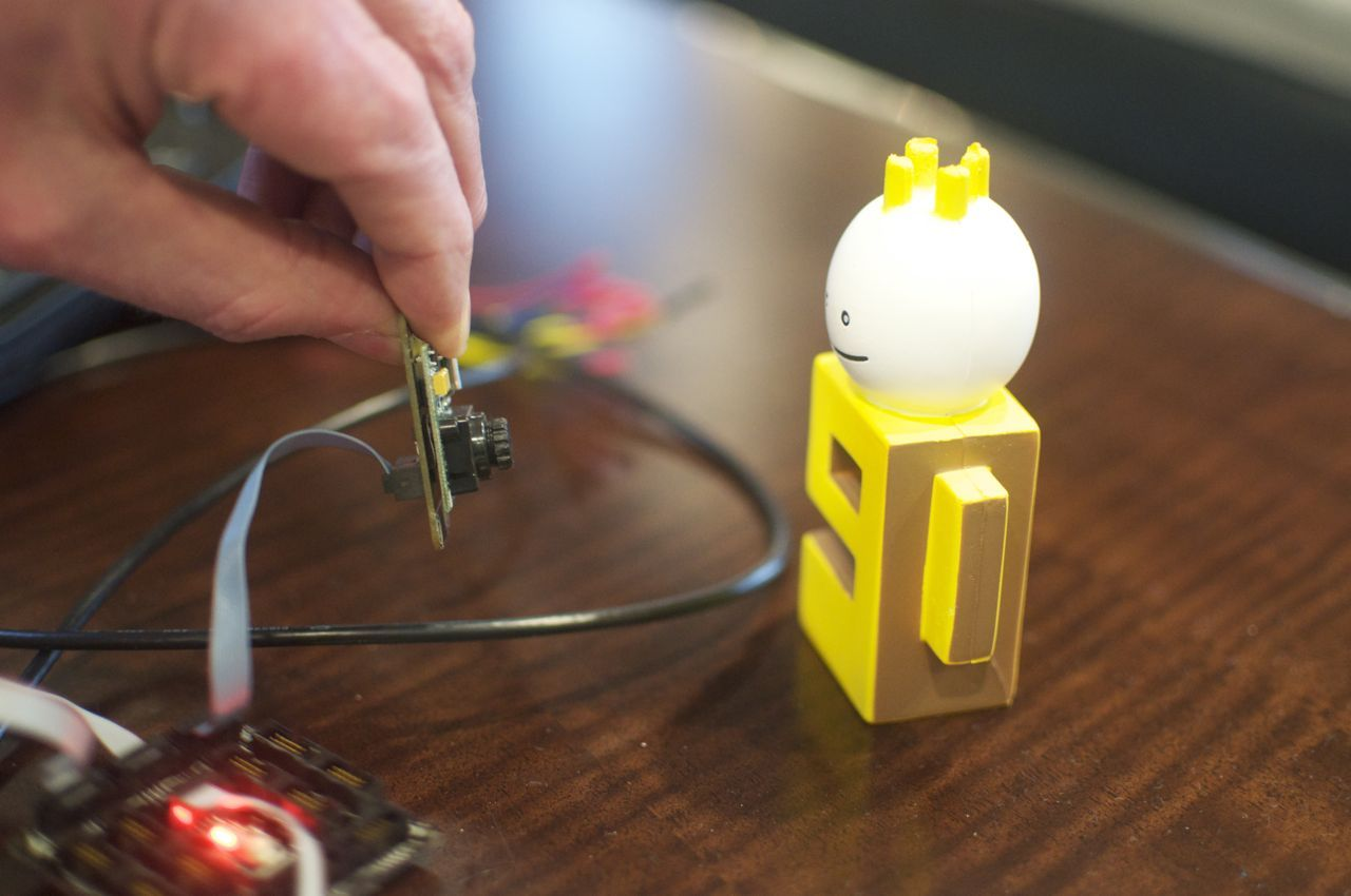The .NET Gadgeteer snaps a photo of Microsoft's Channel9 mascot.