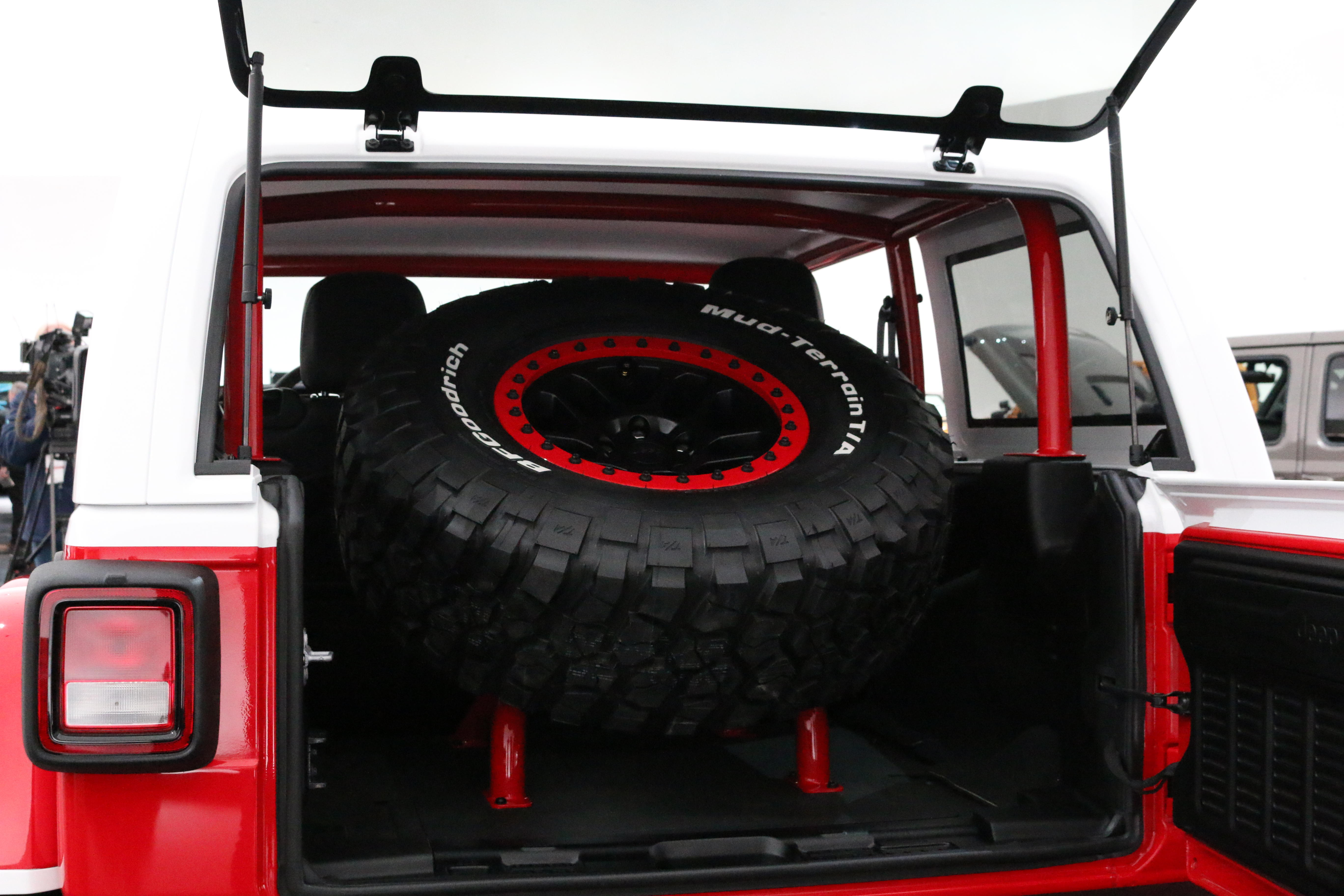 jeep-jeepster-concept-7