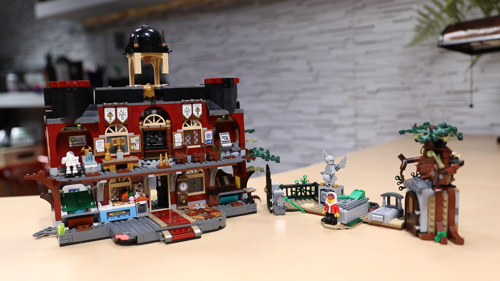 Video: Lego Hidden Side feels like an augmented reality haunted house
