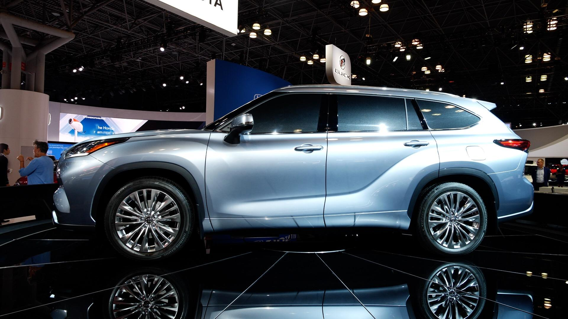 Video: 2020 Toyota Highlander is a smart SUV with optional hybrid power