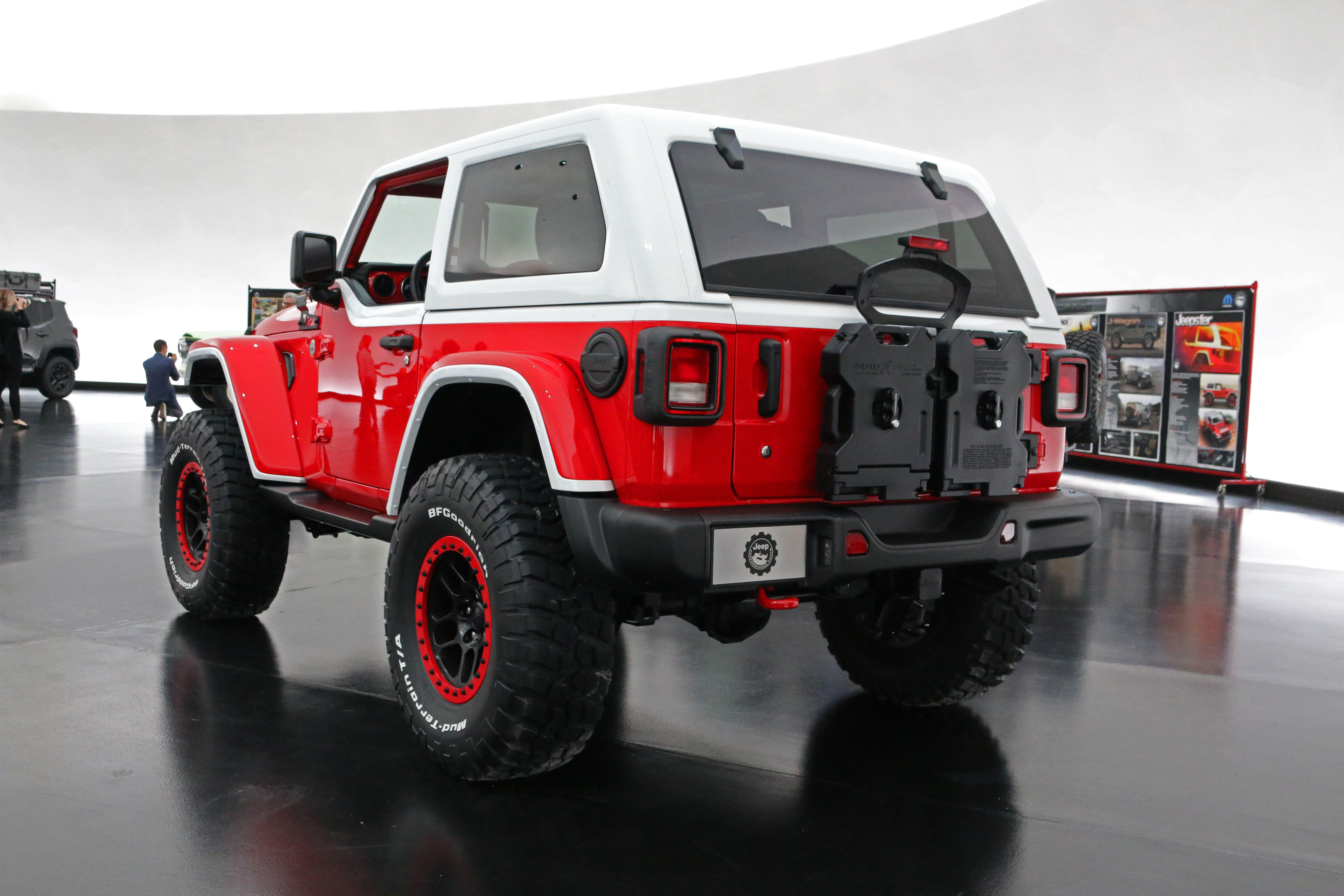 jeep-jeepster-concept-39