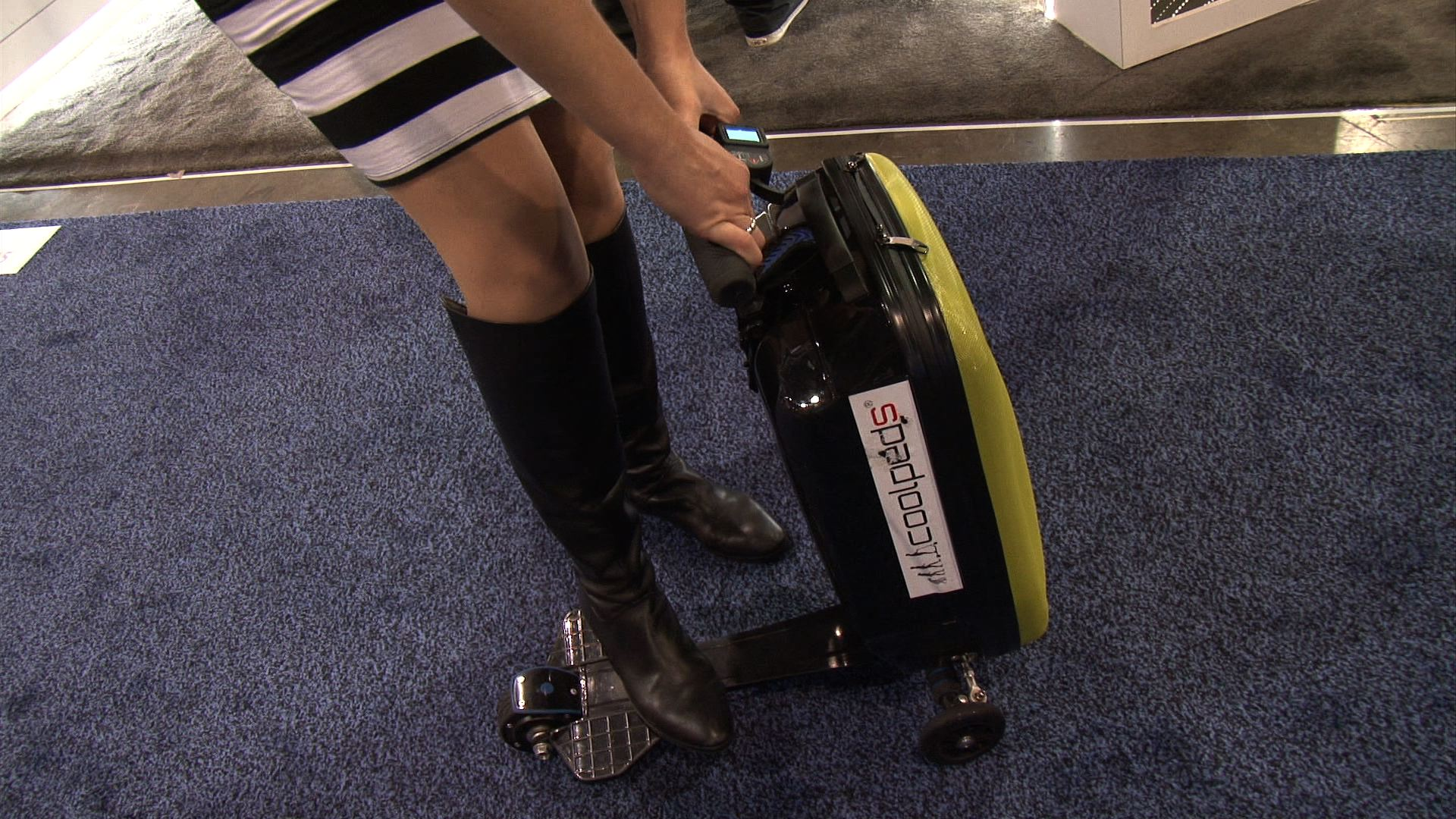 Video: Take a ride on this ... suitcase?