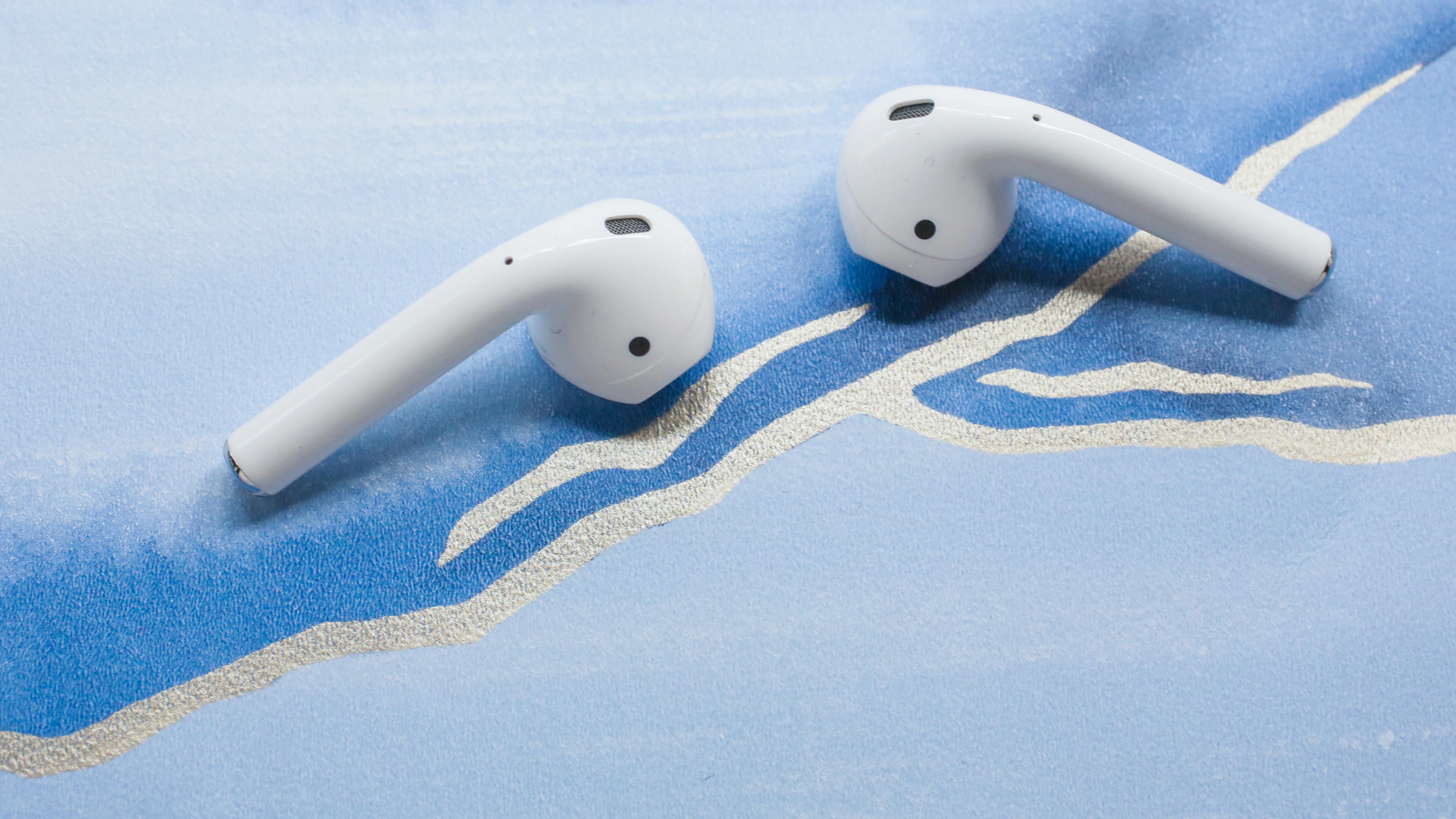 09-apple-airpods-2-2019