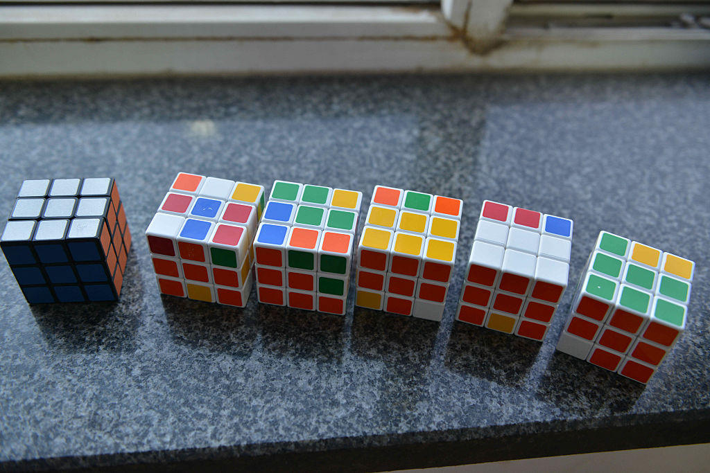 840 Rubik's Cubes To Make Portrait Of Sweetheart In Shenyang
