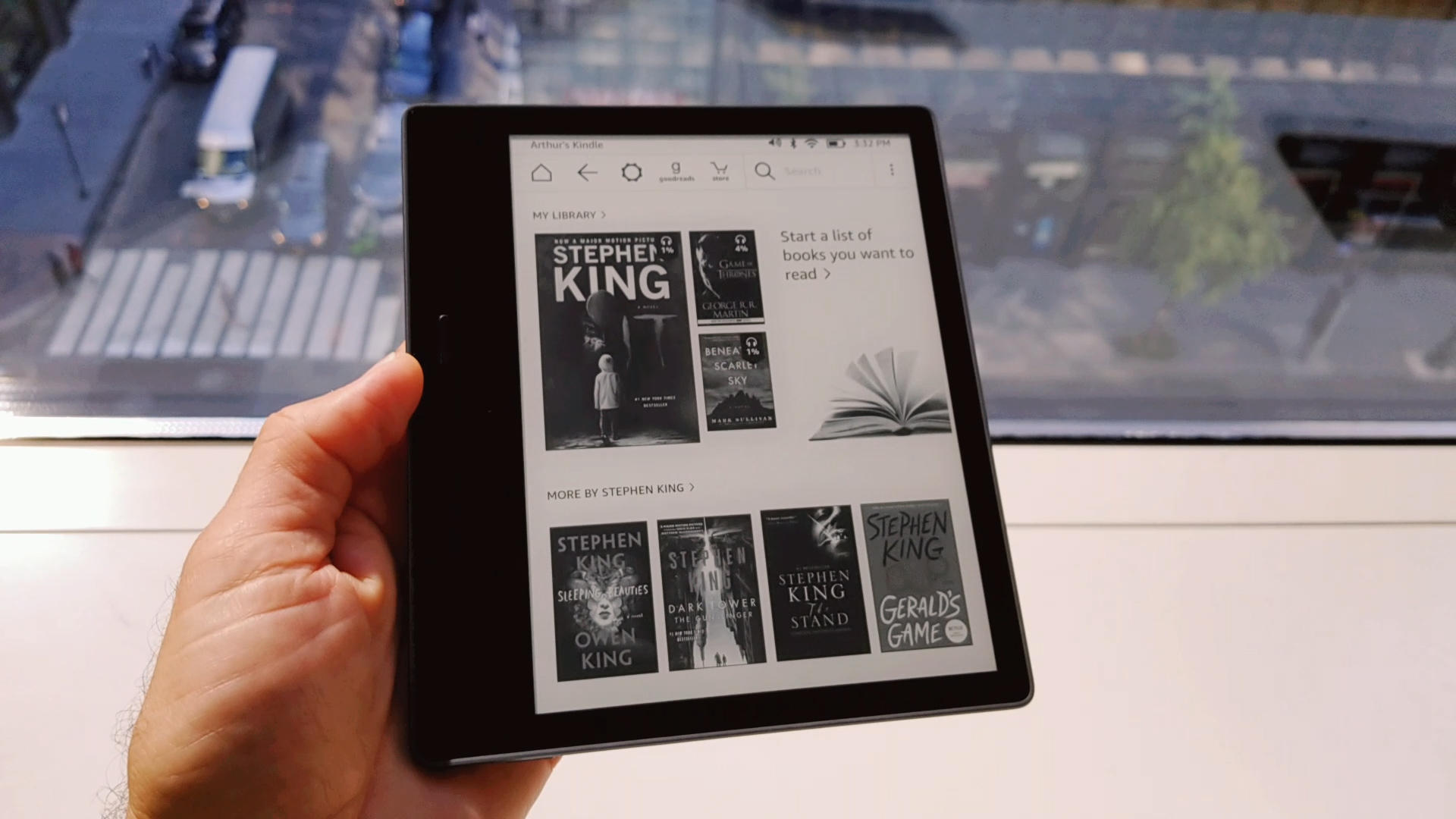 Video: Big-screen Kindle Oasis costs less, does more