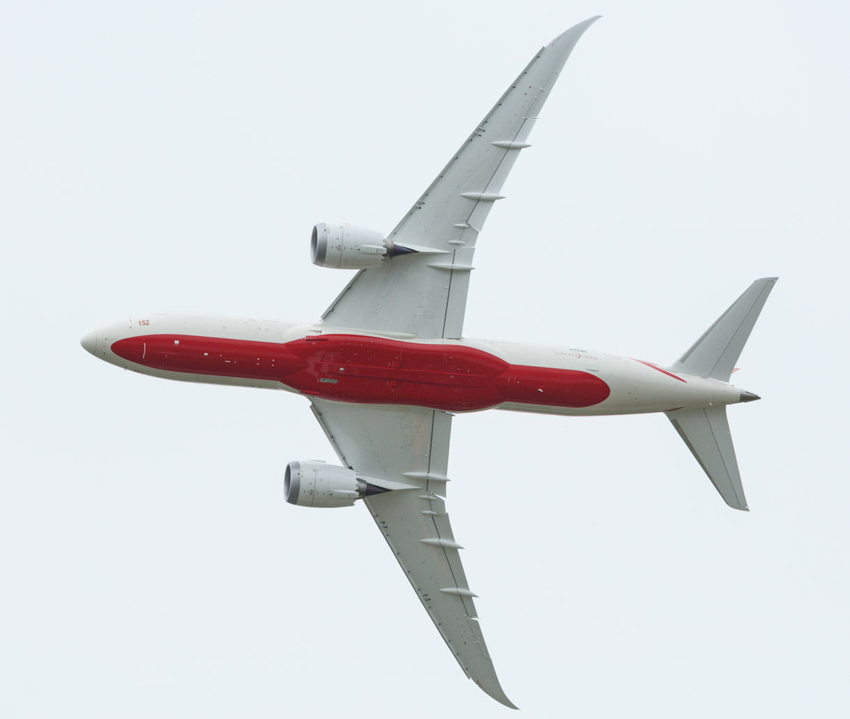 Spectators got a good view of the underside of the Boeing 787 Dreamliner as it flies over the Paris Air Show.
