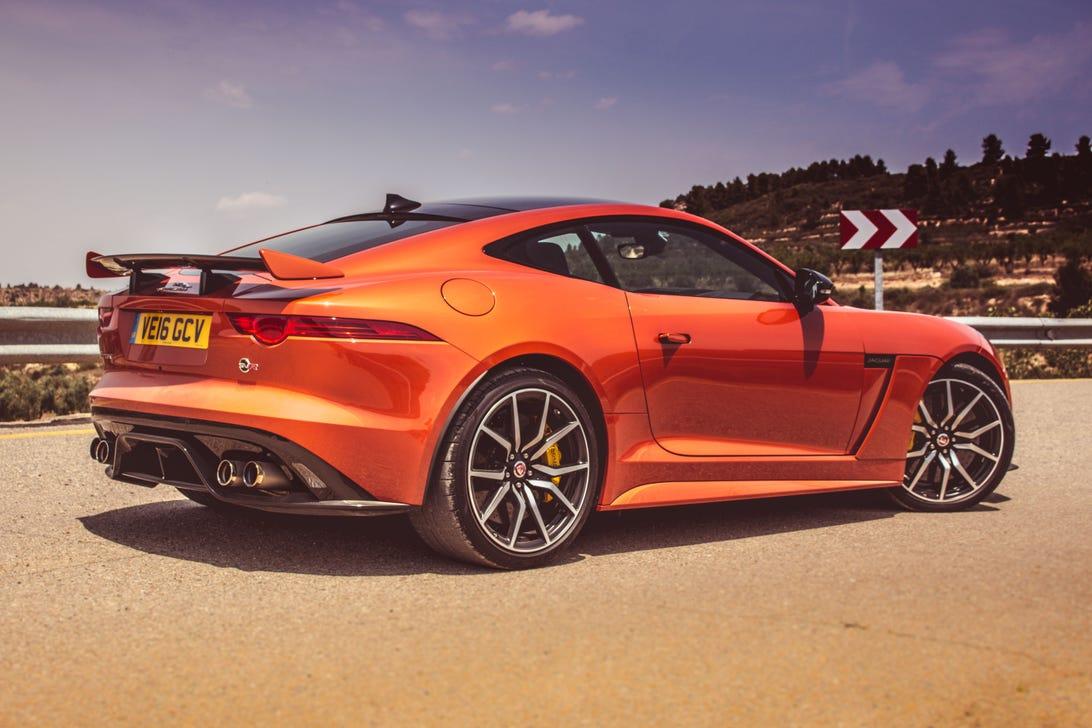 2017-jaguar-f-type-svr-1.jpg