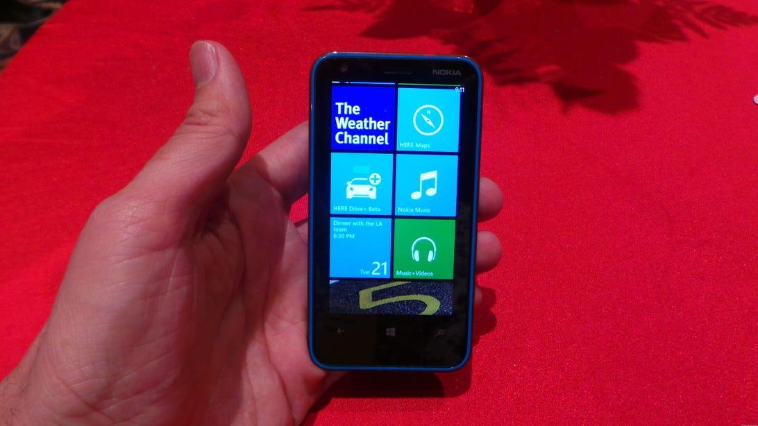 Nokia_Lumia_620_Aio_front.jpg