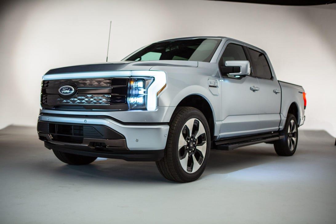 2022 Ford F 150 Lightning Defines A Segment Roadshow