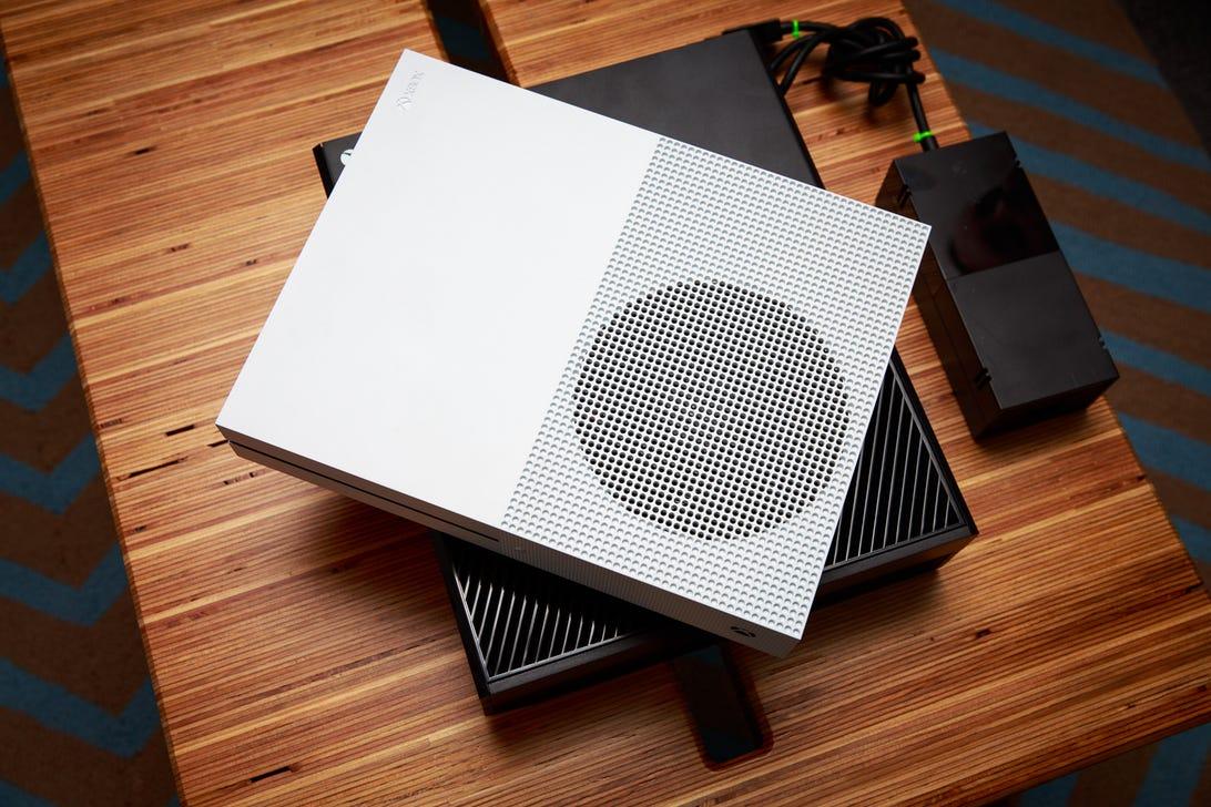 microsoft-xbox-one-s-comparison-to-old-xbox-7268-001.jpg