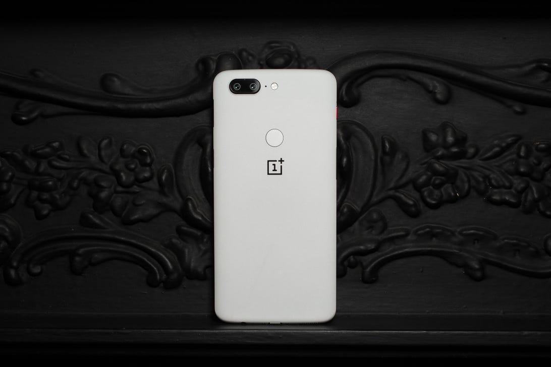 oneplus-5t-sandstone-white-5