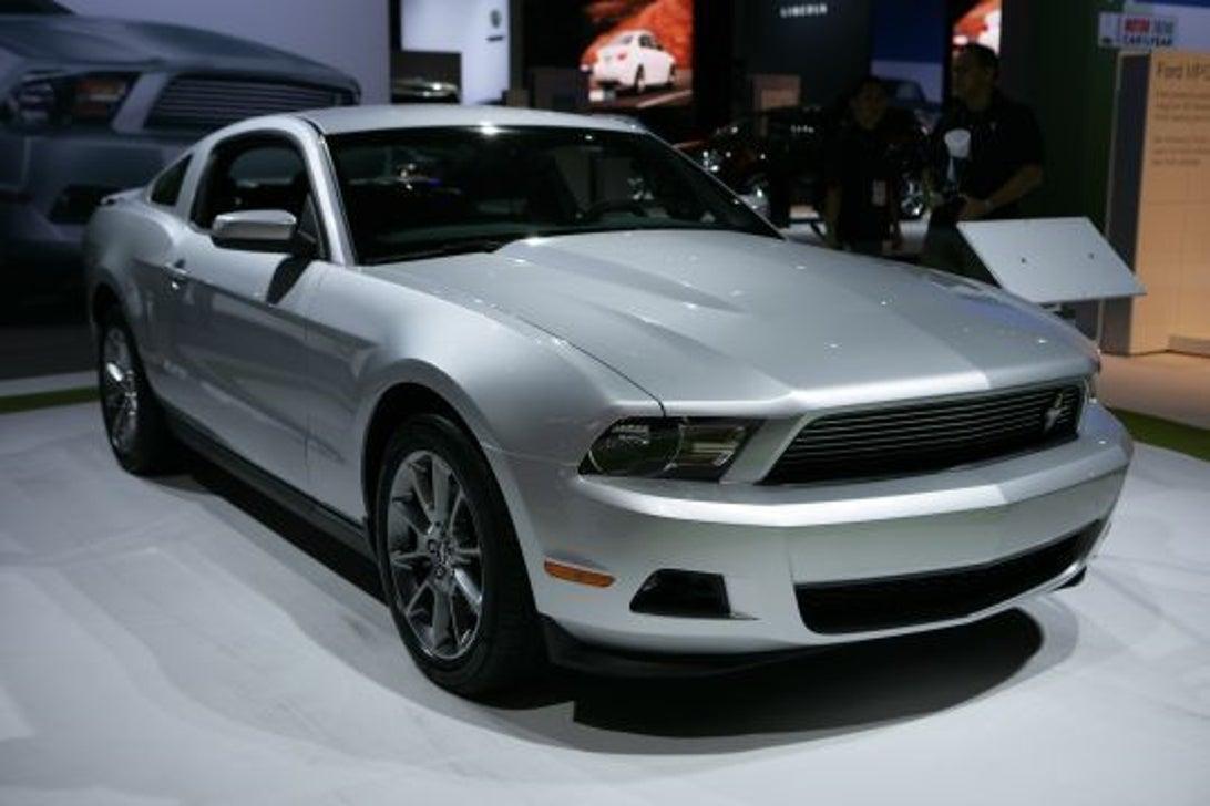 2011_Mustang_V6_01.JPG
