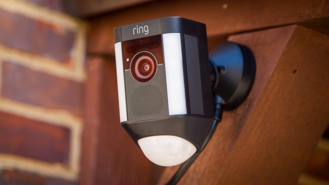 ring-spotlight-cam-4