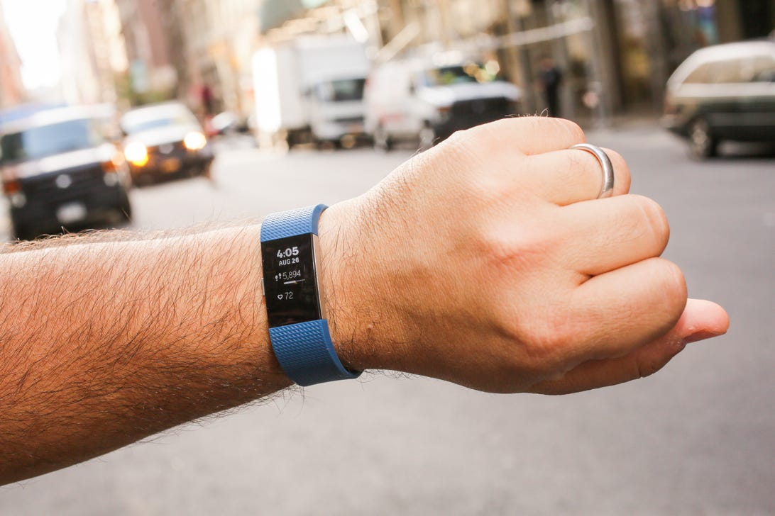 fitbit-charge-2-outside02.jpg