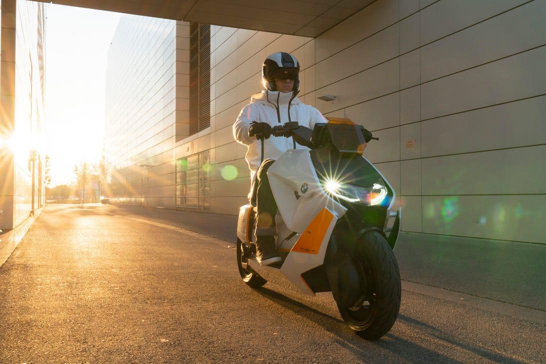 bmw-motorrad-definition-ce-04-beauty-01