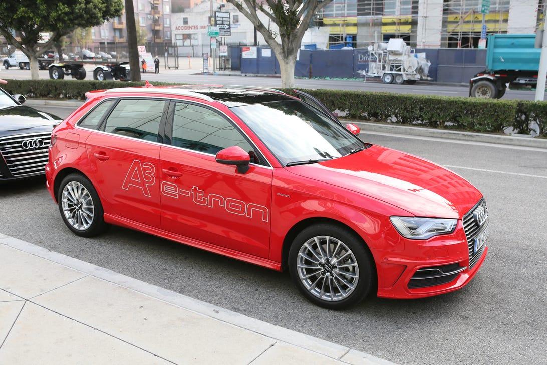 2015_Audi_etron_hatchback_35831781-8425.jpg