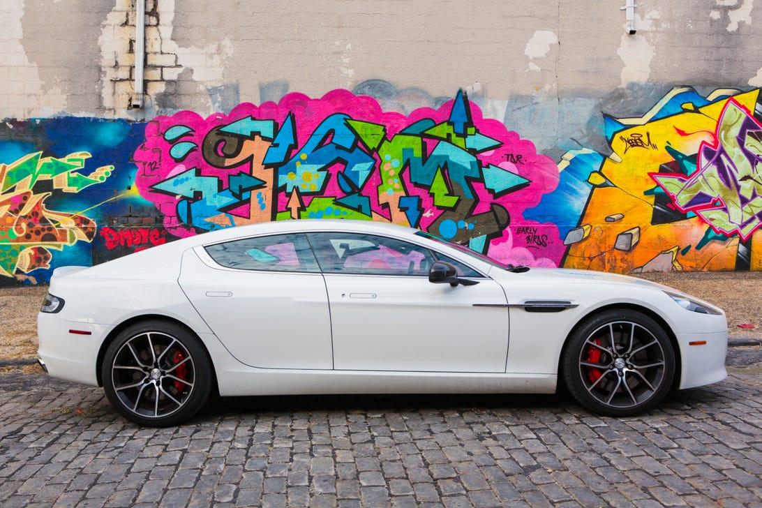 AstonMartin38.jpg