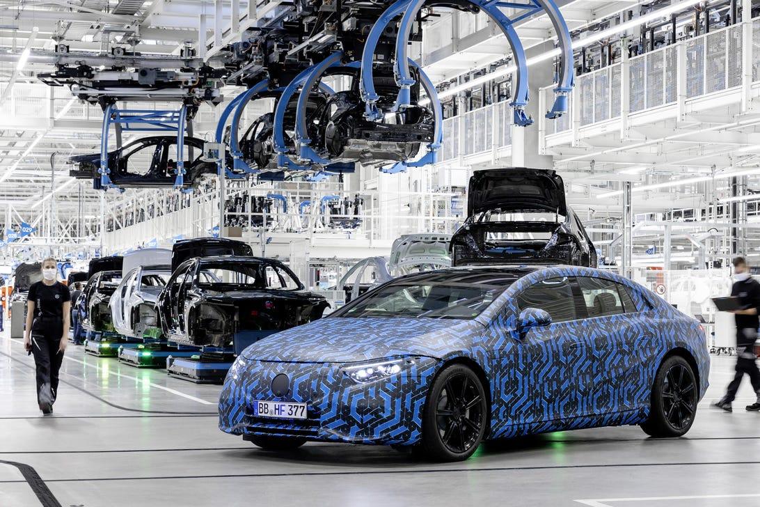 Mercedes-Benz EQS teaser