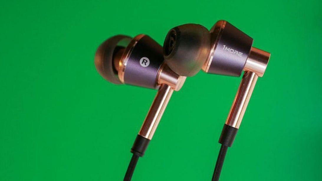 1more-triple-driver-in-ear-headphones-10