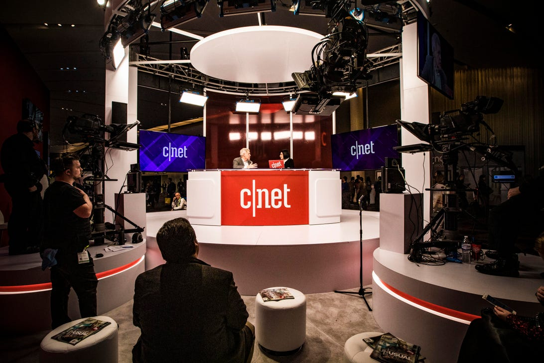 inside-behind-the-scenes-cnet-booth-ces-2019-0249