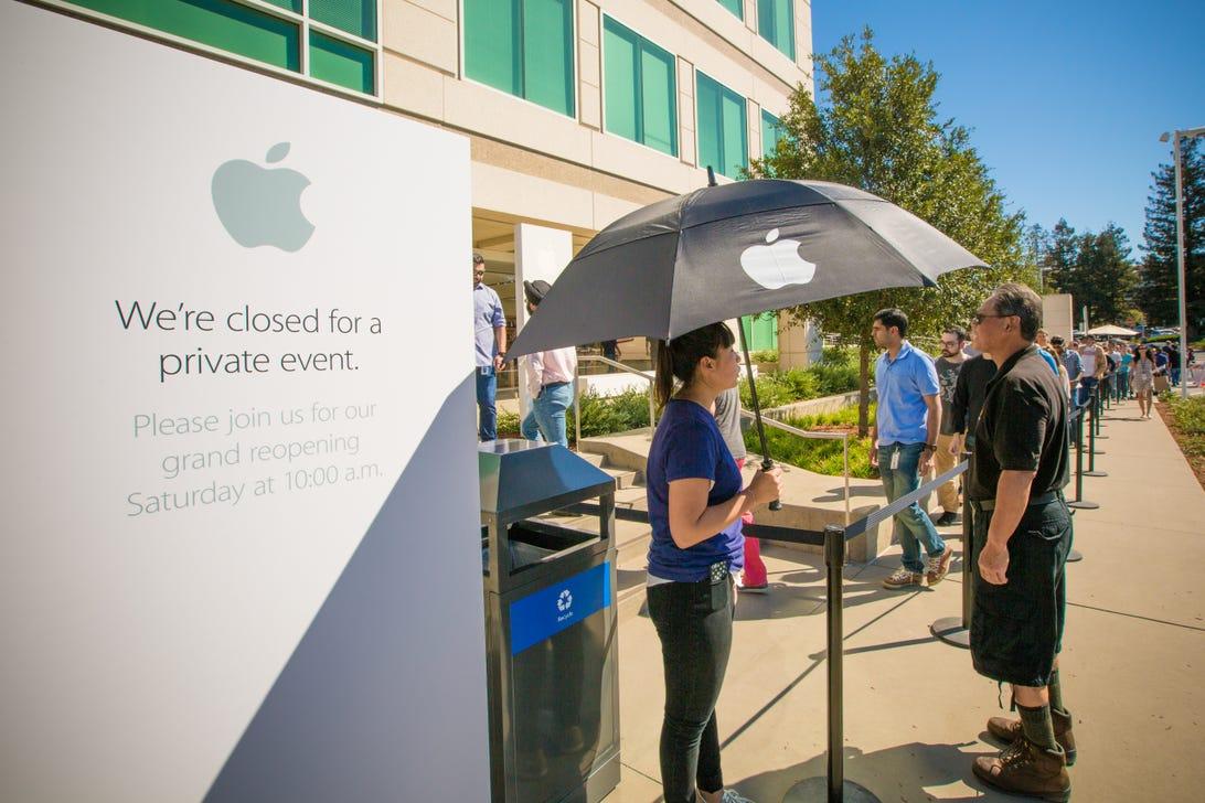 1-infinite-loop-apple-store-3954.jpg