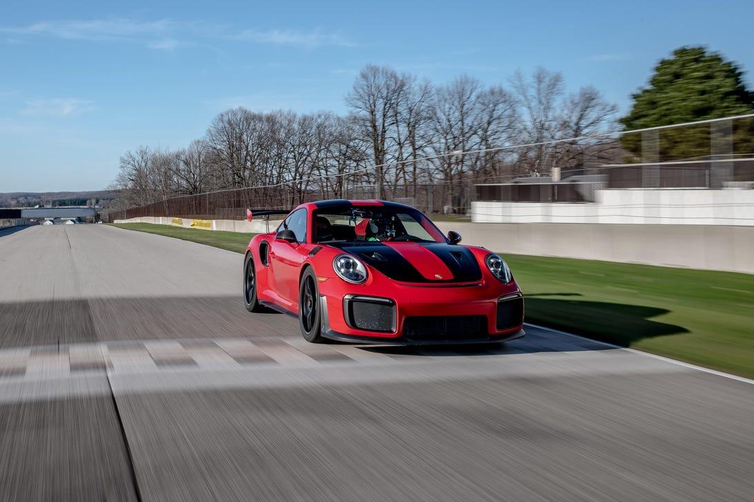 Porsche 911 GT2 RS Road America