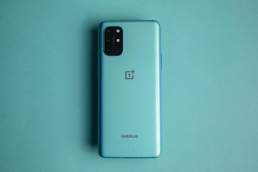 oneplus-8t-product-promo-hoyle-28