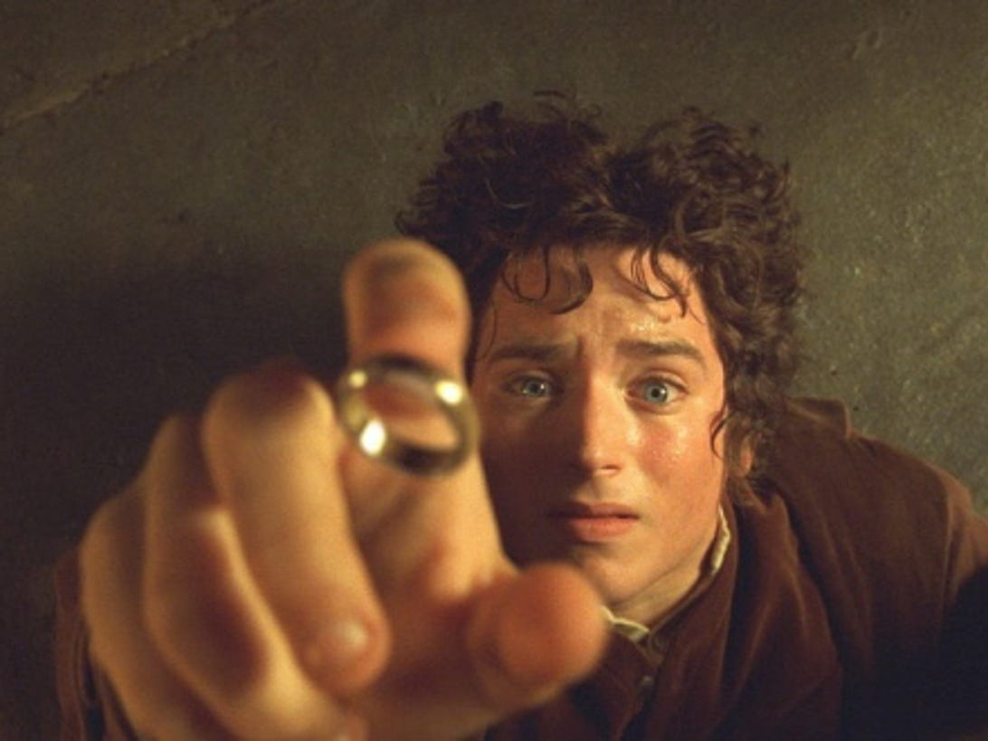 lotr-fellowship-ring-frodo-elijah-wood.jpg