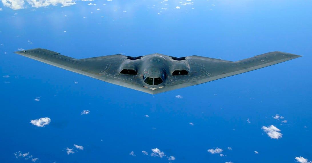 cnet-stealth-b-2-bomber-blue-skies.jpg