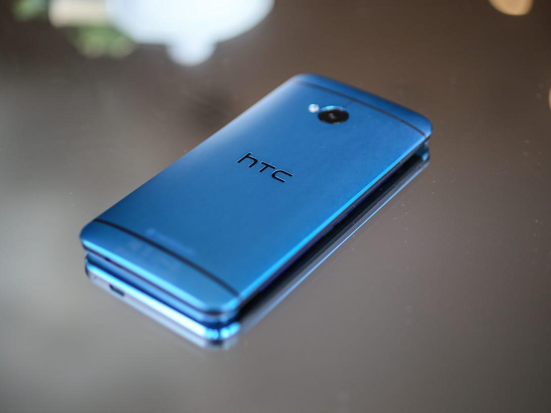 htc-one-blue-3.jpg