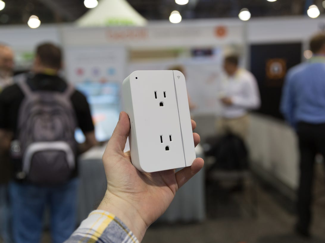 grid-connect-connectsense-smart-outlet-product-photos-3.jpg