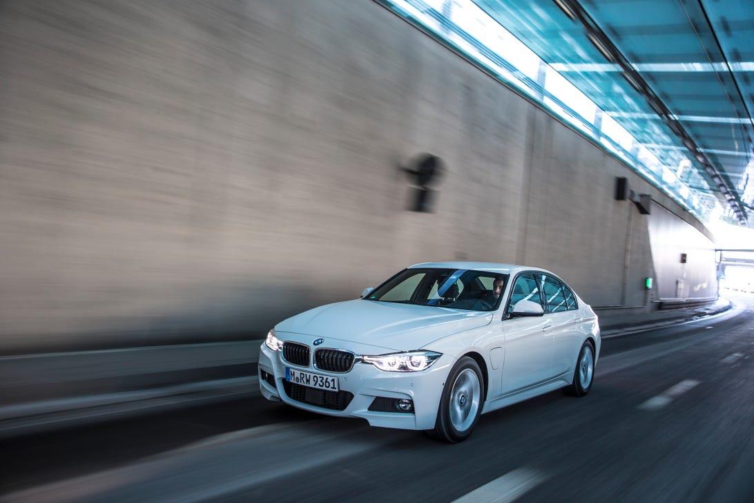 2017 BMW 330e iPerformance