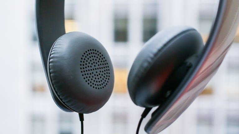 shure-srh145m-headphones-product-photos06.jpg