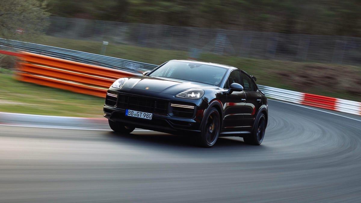 Porsche has a Cayenne hella quick in the works – Roadshow