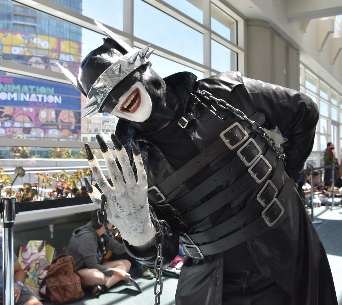 sdcc-2019-dc-cosplay-harleypalooza-3