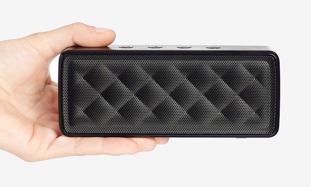 AmazonBasics Portable Bluetooth Speaker BTV1