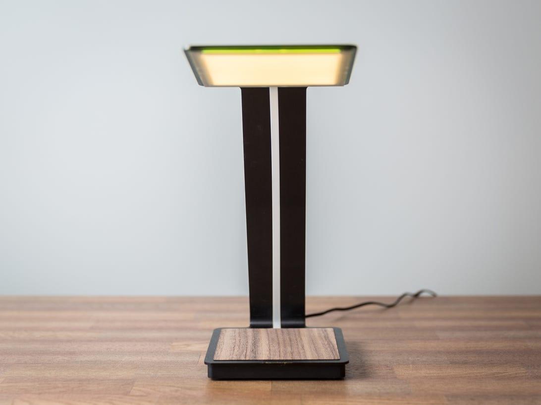 aerelight-oled-desk-lamp-product-photos-3.jpg