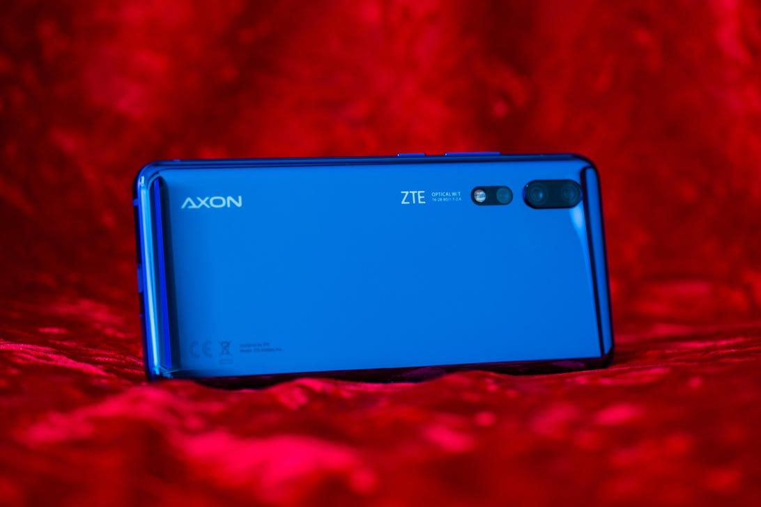 zte-axon-10-pro-9