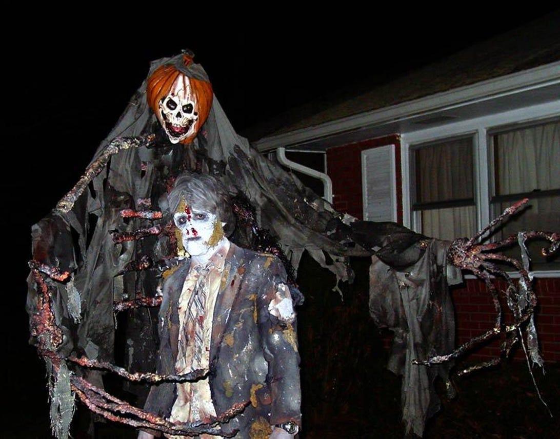 halloween-costume-contest