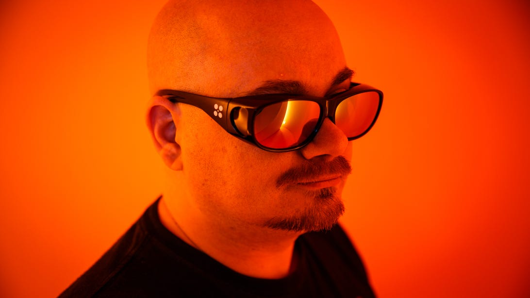 en-chroma-tech-glasses-8828-001.jpg