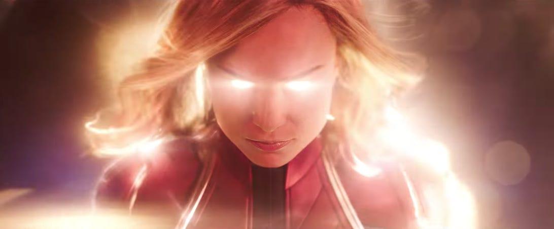 captain-marvel-glow-shot